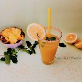 Свежа напитка с ананас