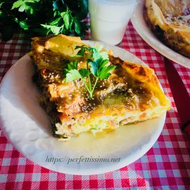 Phyllo minced meat pie