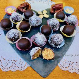 Date chocolate balls