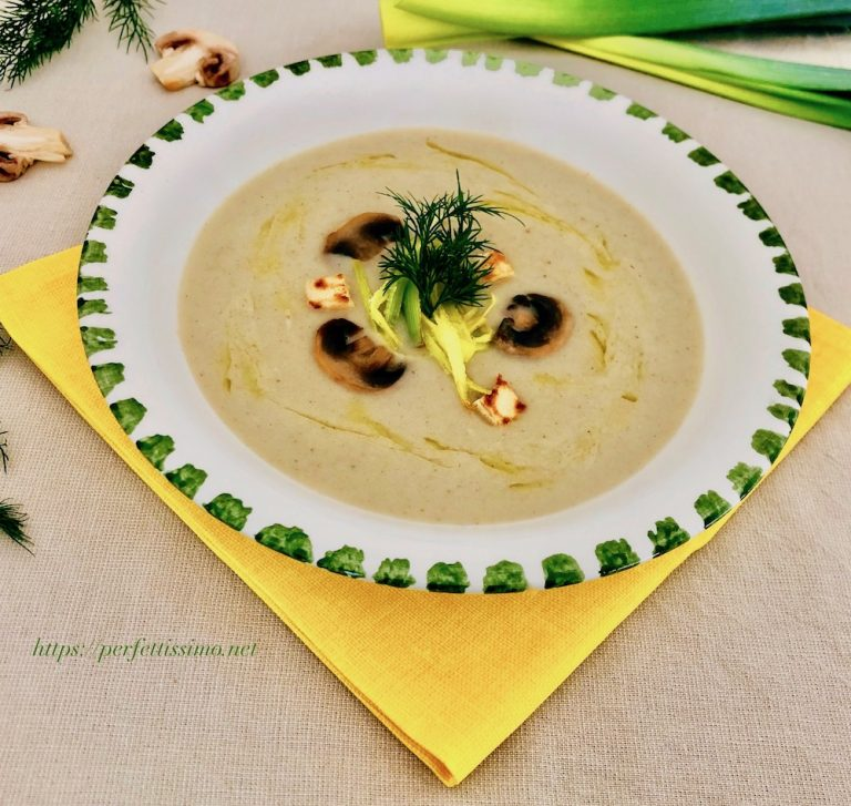 Creamy potato soup with leeks and mushrooms