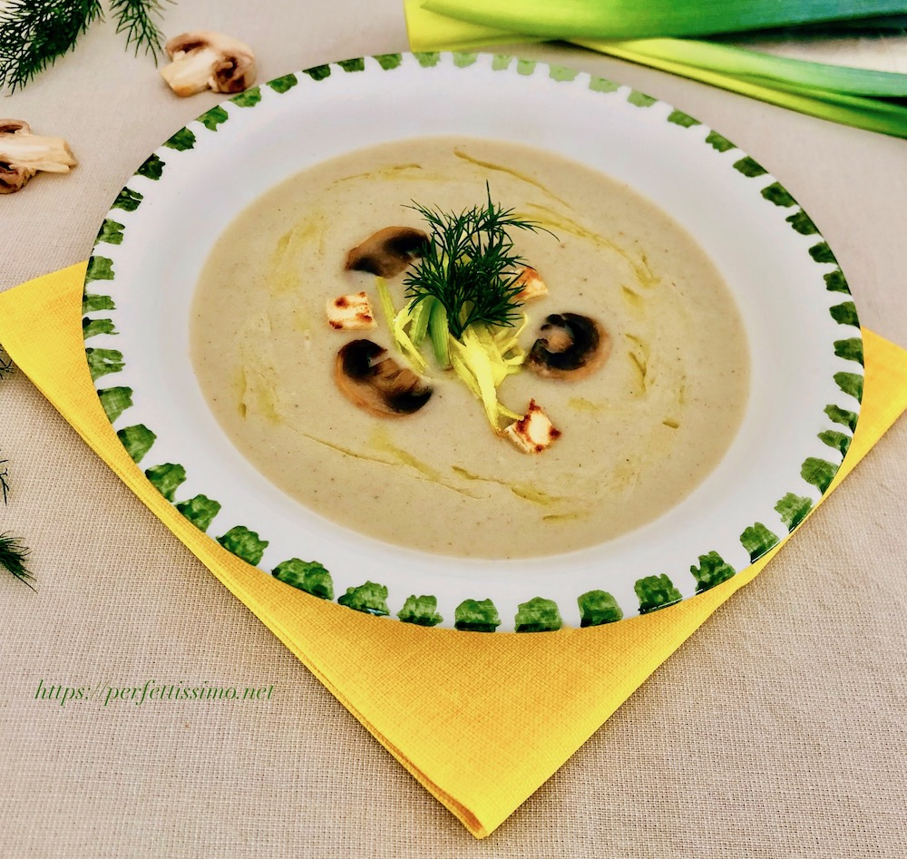 Creamy potato soup with leeks and mushrooms